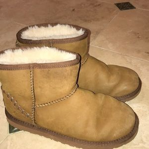 Other - Short cut UGG boats! Authentic!👍